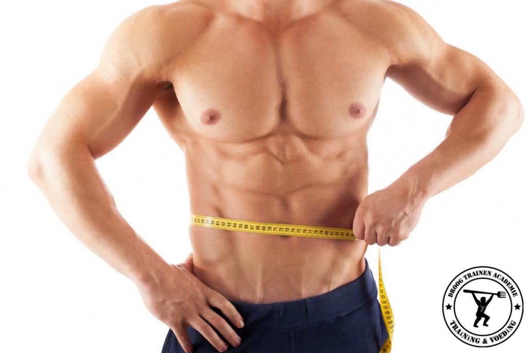 bodybuilder-met-meetlint-spiermassa-behouden