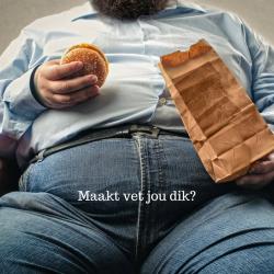 man-die-hamburger-eet