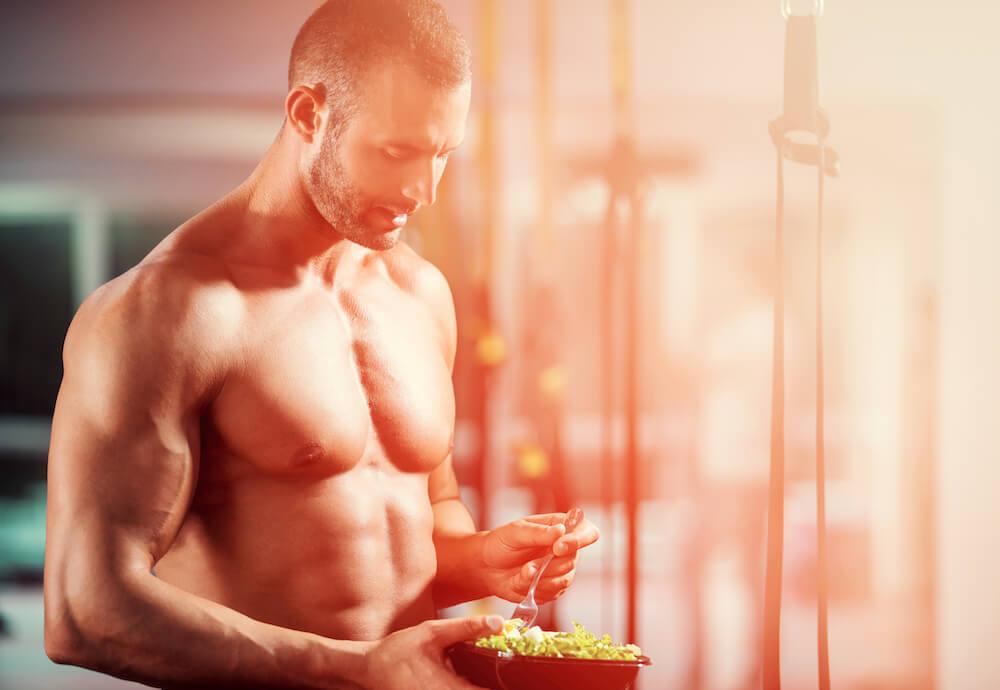 Man met een droog lichaam met voeding